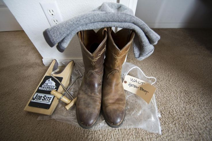 Longmire S Boots Await Filming Behind The Scenes