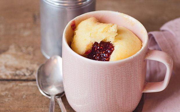 White chocolate and raspberry microwave mug cake