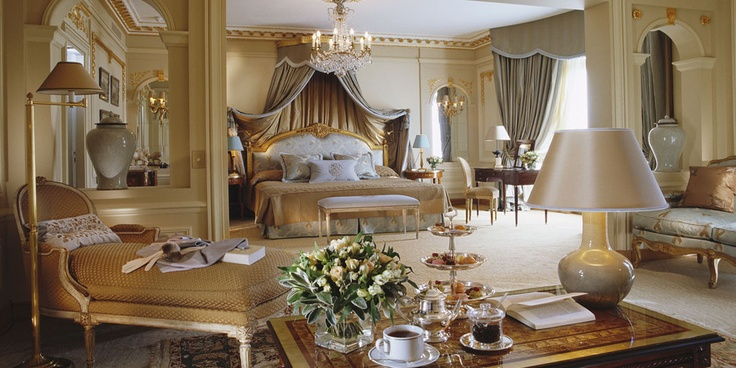 Signature Hotel Suites | Five Star Hotel Suites In Paris | Hotel Plaza Athénée