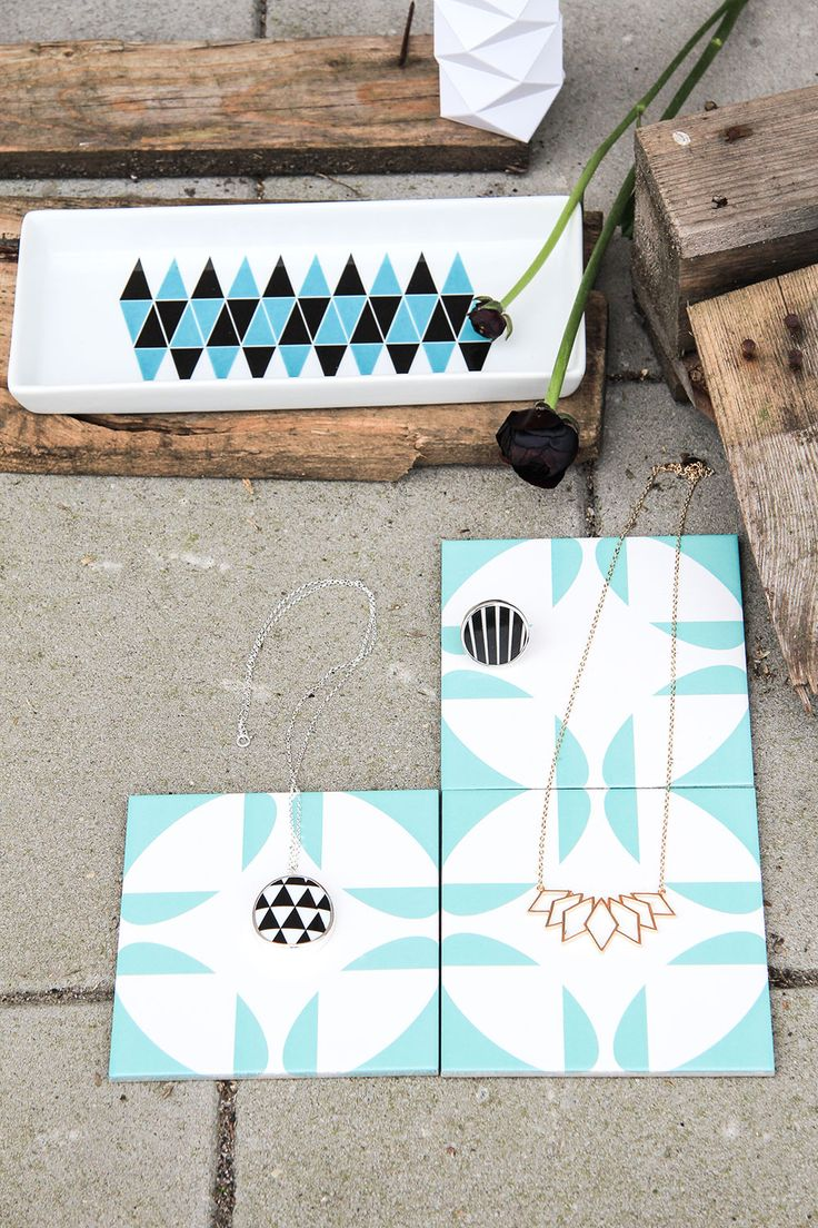 Geometric trend, photo from our online magazine Nordic Living. #diketdesign #sägen #sparv #jewellery #jewelry #tiles #porcelain #geometric #nordicdesign #nordicdesigncollective #nordic #scandinavian #designers