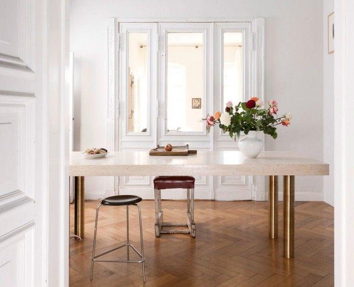 Super elegante keuken met messing en smaragdgroene marmeren details - Roomed | roomed.nl