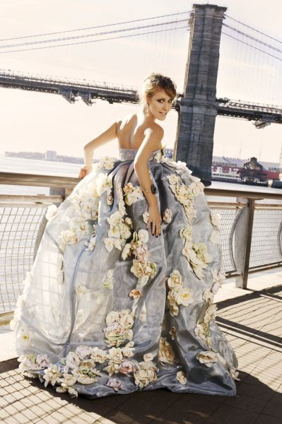 I want to wear this dress in the middle of the city on some random day:)
