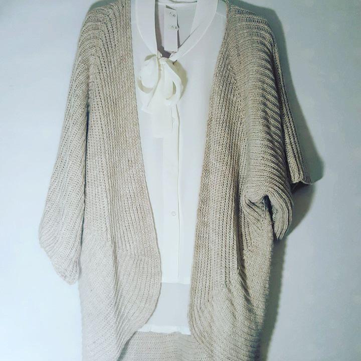 #camicia #fiocco #cardigan #maglia #beige #valeria #abbigliamento