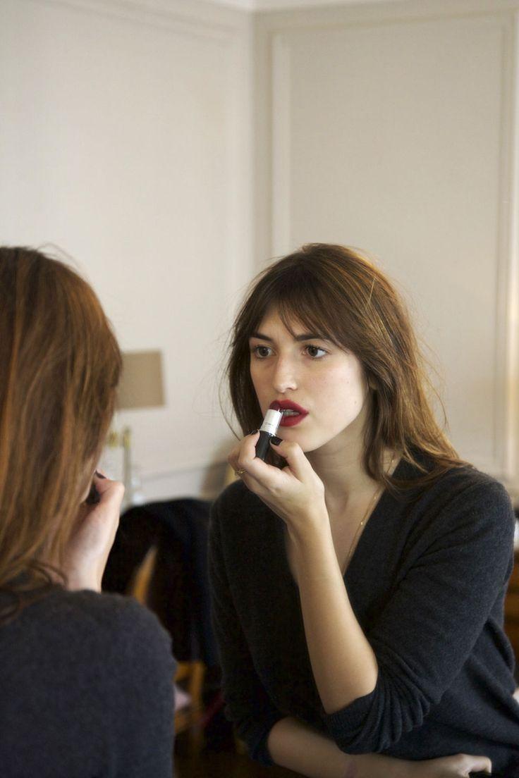 Beauty vanity jeanne damas beaut pinterest brow for Mac cosmetics diva lipstick