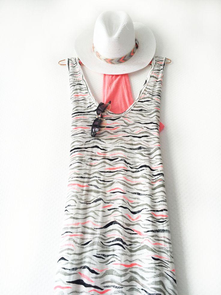 We houden van de zomer! De Maxi jurk is nog steeds een van onze favorieten! #fashion #pink #inspiration #summer #sun #hat #sunglasses #steegenga
