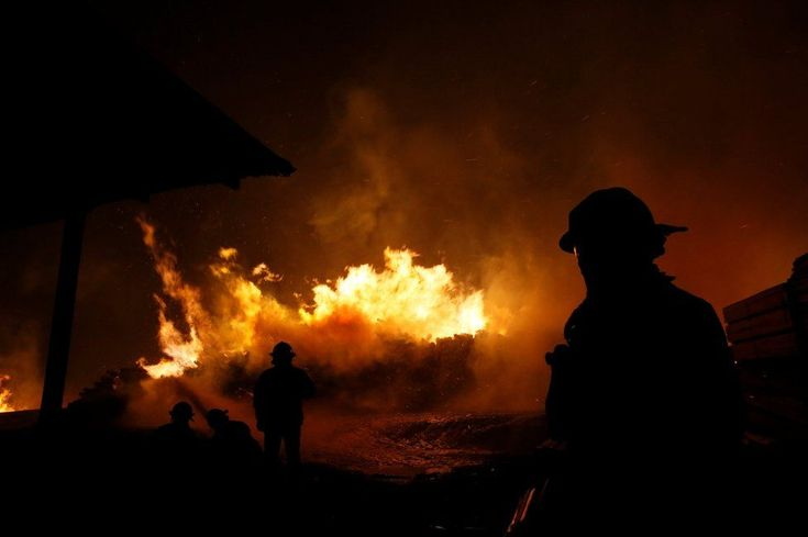 Firefighters try to stop the fire A series of fast-spreading fires, mostly in Chile's central region, is being fanned by strong winds, high temperatures and a prolonged drought.