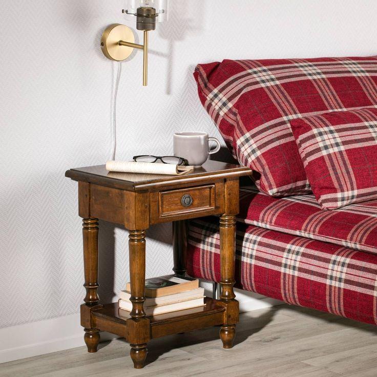 Exotisches Holz mit dezenten Metallelementen machen den Nachttisch Charlie zu einem besonderen Eyecatcher für das Schlafzimmer. #englischer #stil
