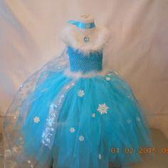 Déguisement/robe de elsa la reine des neiges en tulle et cape flocons de neige