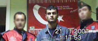 Demir'den Kapılar: Güvercinler, Müslümanlar, Türkler ve İnsanlar