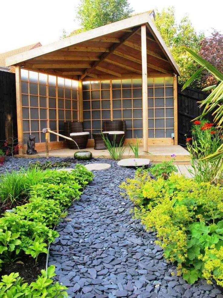 jardin zen avec allée en gravier ardoise et pavillon japonais
