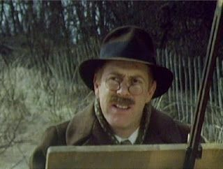 Clive Swift as Dr. Black, a sympathetic listener - A Warning to the Curious (1972)