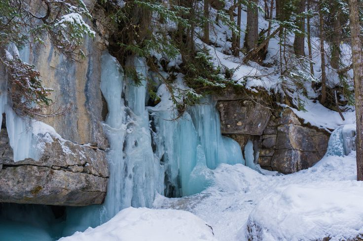 25 Unbeleivable Photos from our Maligne Canyon Icewalk - http://www.theconstantrambler.com/maligne-canyon-icewalk-jasper-photos/