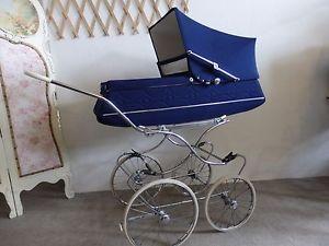 wunderschoener-blauer-Nostalgie-Kinderwagen-60er-vintage-Traum-fuer-Retro-Kiddies