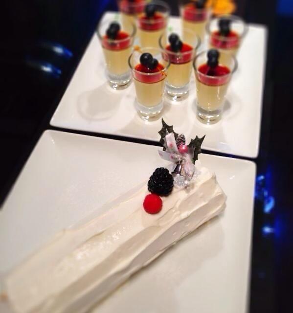 去年のクリスマス時期に友人達を招いてホームパーティーしたときのデザート。 パーティーのときは、2〜3種類デザートを作ります。 - 13件のもぐもぐ - ブッシュ・ド・ノエルとプリン by kimiko7