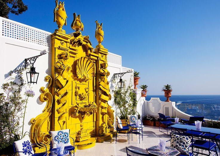 Cамый красивый бар в мире http://idesign.today/dizajn-interiera/samyj-krasivyj-bar-v-mire