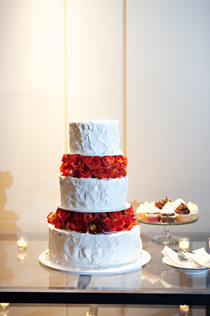 how to make whipped icing for wedding cakes wedding cake with frosting and lots of fresh 16064