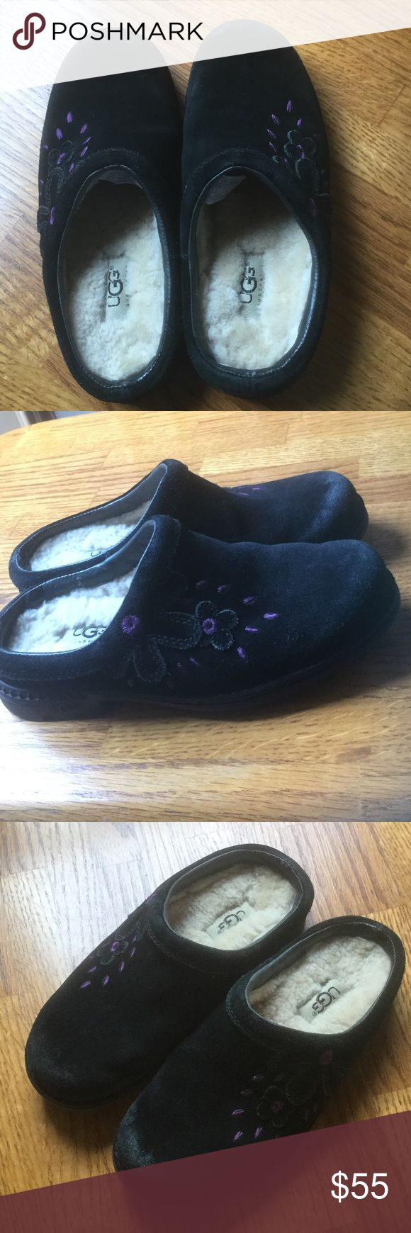 Girls UGG Clogs Excellent using condition size 2 (eu 32) leather and genuine sheepskin. Make me an offer UGG Shoes