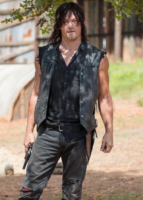 bethkinneysings:  Daryl Dixon in The Walking Dead Season 6 Episode 11 | Knots Untie