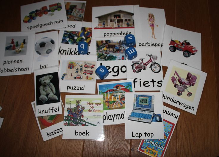 Verschillende spelmogelijkheden met woordkaarten van speelgoed : ordenen : leuk/ niet leuk. groot/ klein, meisjes/ jongens, met de letterdobbelstenen : gooi een letter en zoek de beginletter van de woordkaart.Of kies een paar woordkaarten en als je de beginletter gooit mag je de kaart hebben.Of leg er het echte speelgoed bij en zoek dezelfde.