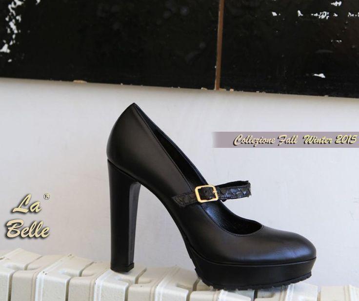 Calzature Donna artigianali made in Italy - La Belle Shoes. Dècolettè con cinturino Materiale nappa e cobra nero - Tacco alto 100 mm ricoperto in nappa - Plateau esterno e fondo carrarmato