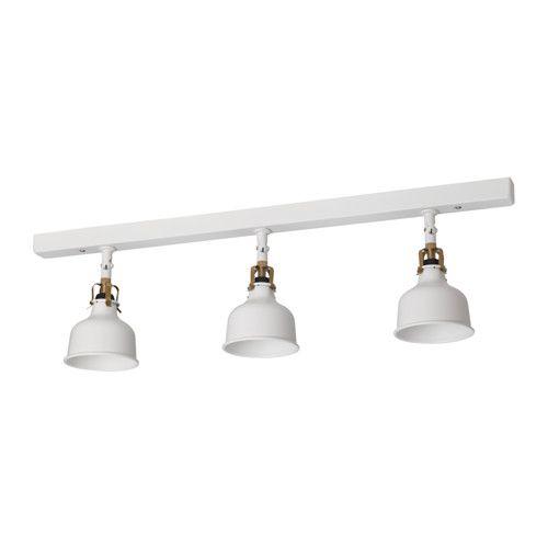 RANARP Plafondrail, 3 spots IKEA Je kan het licht eenvoudig verschillende kanten op richten omdat elke spot apart kan worden afgesteld.