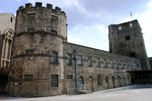 Prison Hotel Oxford Castle (Oxfordshire/U.K.) - Nine centuries old and originally the historic residence of Empress Matilda, the Oxford Castle was also used as a prison until it closed in 1996 and was redeveloped as a hotel.