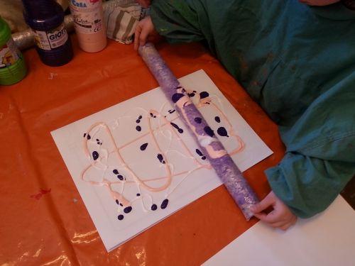 peinture, fond, original, maternelle, lili tire-bouton