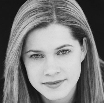 Gillian Alexy (March 13, 1986) Australian actress, o.a. known from 'McLeods daughters'.