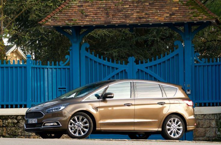 180 chevaux, 4 roues motrices, une boîte à double embrayage, un équipement au top et une présentation haut de gamme: le Ford S-Max Vignale TDCi 180 i-AWD est le monospace de Monsieur Plus.
