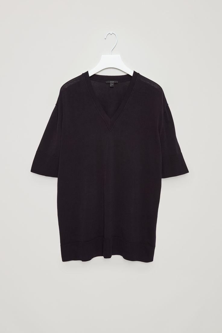 COS | V-neck knit top