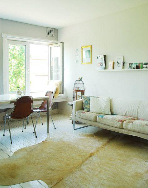 living room, minimal color