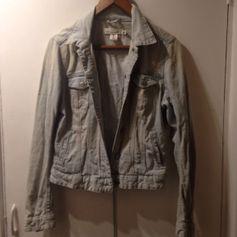 H&M L.O.G.G denim jacket size 38 https://en.shpock.com/i/WnI_dHNAmhcMY2Ue/?lft