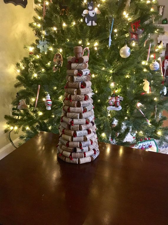 Wine Cork Holiday Tree от IndulgentSurrounding на Etsy