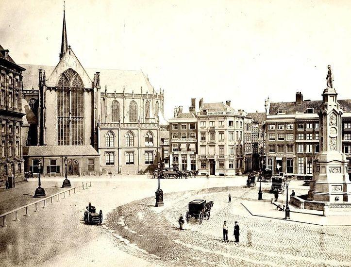 Amsterdam<br />Amsterdam: De Dam met Nieuwe Kerk in 1870