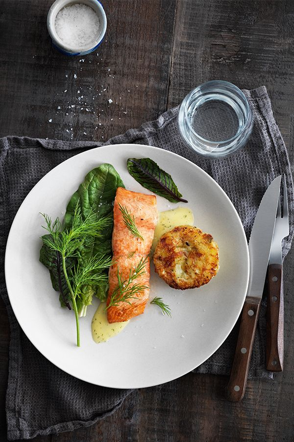 Springtime cooking is all about lightness. How about some LAX FILÉ salmon, either succulent and poached or spicy and pan-fried?