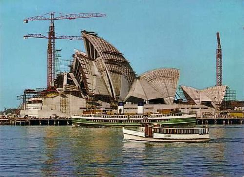 classic picture of the Sydney Opera House being built