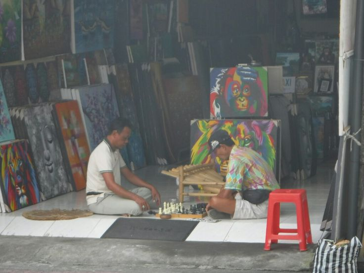 Chess game in Ubud - Bali life is full of little things that make you happy