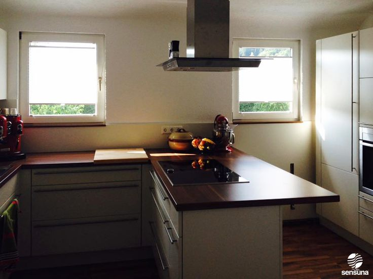 Neue Küche - neue Fensterdeko    Mit sensuna® Plissee-Rollos nach Maß vom Raumtextilienshop - ein Kundenfoto