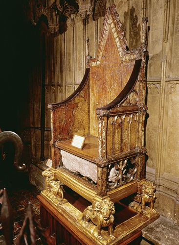 A replica of the Queen's throne | A chair just like this ... |Westminster Abbey Throne