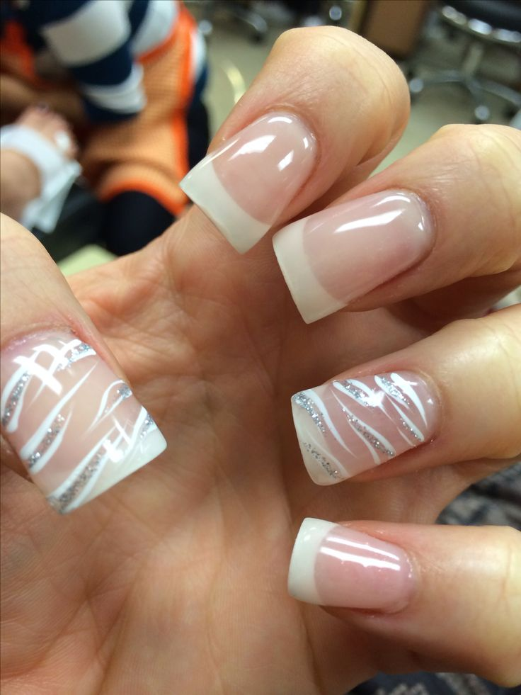French manicure with design by jessicavelez22