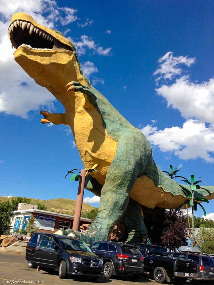 Drumheller is home to the world's largest dinosaur, it also houses the best dinosaur museum you'll ever see. The Royal Tyrrell Museum has real dinosaur bones on display!