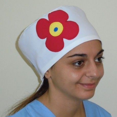 Handmade scrub hat. Choose among blue, yellow or white color and the red daisy will make it special.
