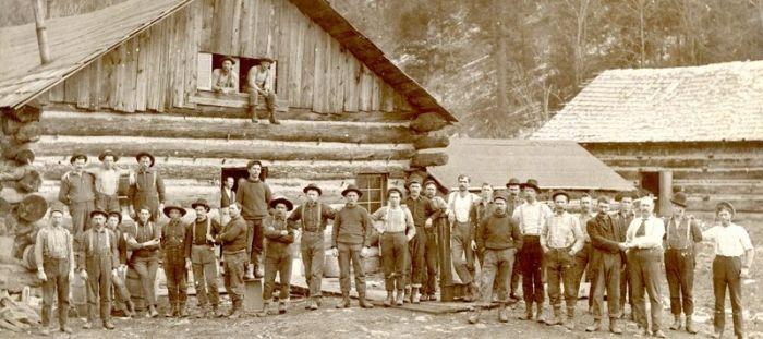 Dřevostavba historický obrázek