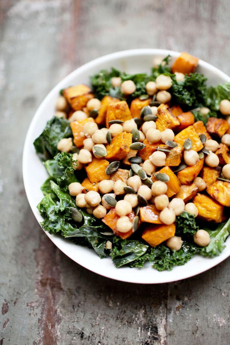 Salade de kale, patate douce et pois chiches