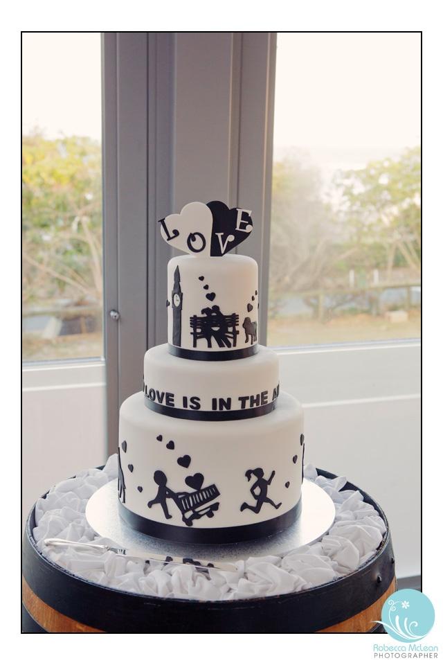 Babalou, Kingscliff. Reception ideas.  Robecca McLean Photographer  Black and White cake.