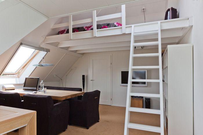 25 beste idee n over mezzanine slaapkamer op pinterest mezzanine kleine woningen en - Mezzanine jongen ...