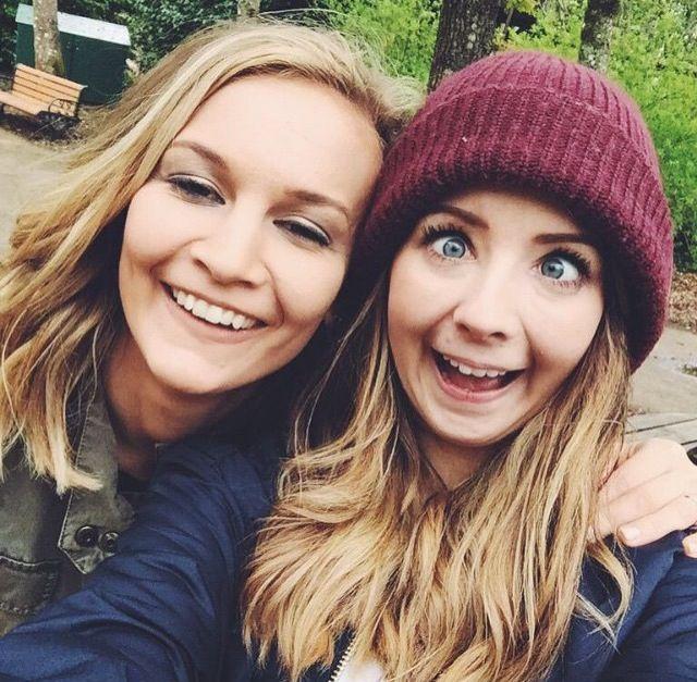 Zoe and Anna xD Omfg I love Zoe's face doe