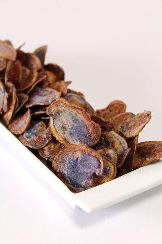 Chips van truffelaardappel - Eet ze als gewoon een lekker snackje bij een koud glas witte wijn of gebruik ze als garnituur bij je hoofdgerecht.
