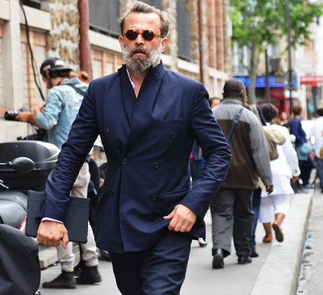 NAVY HEAD TO TOE | Mark D. Sikes: Chic People, Glamorous Places, Stylish Things