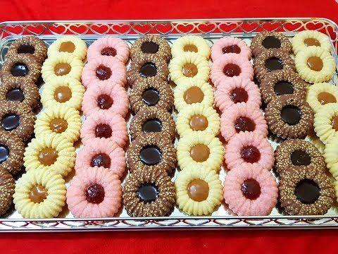 حلوى جافة بالفلان تذوب في الفم ببيضتين فقط و كمية وفيرة ب 3 نكهات مع طبخ ليلى Youtube Candy Drinks Cake Decorating Frosting Cookie Business
